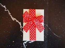 коробка подарочная с бантом в горошек - фото 5245